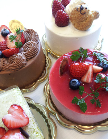 デコーレーションケーキ